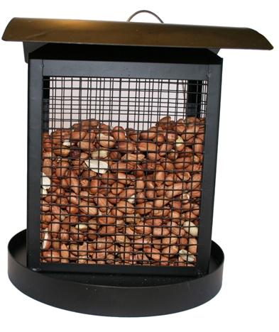 Smart foderautomat till nötter. Material: Svart metall. Kan hängas upp i vajer. Mått: 16x16x18 cm