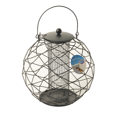 This silo feeder with protection trellis from Duvo+ provides birds with food over a long period. The spherical resistant and durable metal guarantees an extended service life. The silo is also easy to fill.